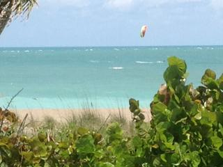 New Direct Beachfront Island Retreat Sea Sparkle 4 - Hutchinson Island vacation rentals