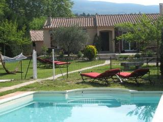 Lovely holiday home with views  on the mountain Ventoux - FR-138-Bedoin - Bedoin vacation rentals