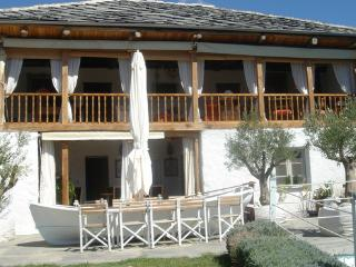 Beautiful villa for 8 persons with pool. Only 20 minutes from the Sea.  - GR-282-Kavala Pangeon - Macedonia Region vacation rentals