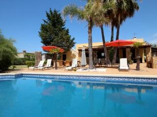 Finca ideal for family holidays  - close to Alcudia, with swimming pool - ES-1050030-Alcudia - Puerto de Alcudia vacation rentals