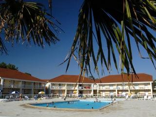 Beautiful apartment with outdoor pool  - max 4 people - FR-1071006-Le Verdon sur Mer - Le Verdon Sur Mer vacation rentals