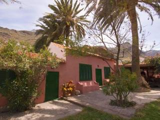 Holiday Home in a nice area with outdoor  pool - max 8 people - ES-1071250-Agaete, El Valle - Agaete vacation rentals