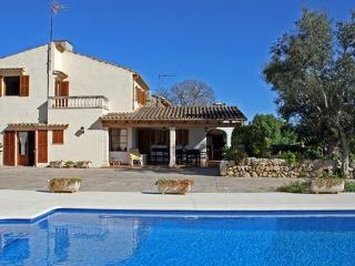 Ideal 4 bedroom villa in the countryside yet only 2km from Pollensa, perfect for families - ES-1071259-Pollensa - Pollenca vacation rentals