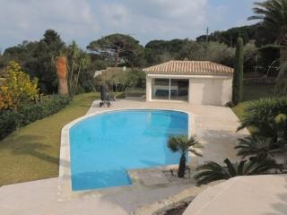 Charming villa in Ramatuelle   with cozy new coordinated décor - FR-1072011-Ramatuellle - Ramatuelle vacation rentals