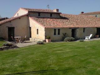 House from the 16th century Modern and comfortable - FR-489-Rocheservière - Saint-Andre-Treize-Voies vacation rentals