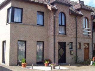 Comfortable holiday home near the center of Bruges, in a quiet area - BE-517-Brugge - Flanders vacation rentals