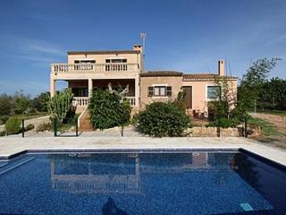 Beautiful tipical mallorquin farmhouse in  the nature of the southeast of Mallorca - ES-726-Cas Concos - Felanitx vacation rentals