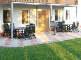 New and modern holiday accommodation in Grüfflingen. - BE-95-Burg-Reuland - Belgium vacation rentals