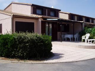 Accommodation in a holiday estate at the  Côte d'Azur, near the beach - FR-358902-PORTIRAGNES-PLAGE - Languedoc-Roussillon vacation rentals