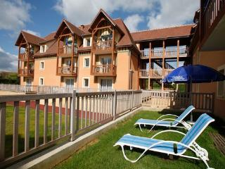 Apartment with heated outdoor pool  - max 6 people - FR-1071010-Saint Arnoult - Normandy vacation rentals