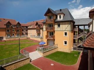 Apartment with heated outdoor pool  - max 5 people - FR-1071011-Saint Arnoult - Basse-Normandie vacation rentals