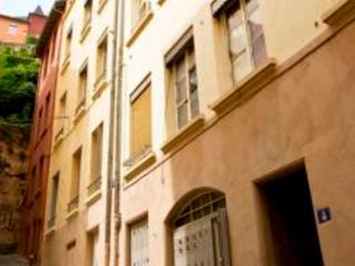 A furnished 33 sq.m. apartment  - FR-304-Lyon - Lyon vacation rentals