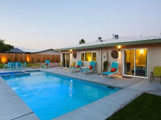 Franky's Hideaway ~ Take 15% off any 5 night stay in August! - Palm Springs vacation rentals