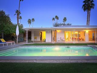 The Brentwood ~ Summer Rentals ~ 14 Night Minimum  6/1 - 11/23 - Palm Springs vacation rentals