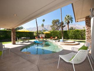 Sunny Skies ~ Hip Mid Century Home- Walking distance to town! - Palm Springs vacation rentals