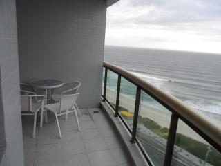 BEAUTIFUL FIT THE BEACH BARRA DA  TIJUCA. - State of Mato Grosso vacation rentals