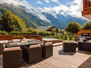 Modern Chalet Solaire with private en-suites, enjoy Mont Blanc views from the jacuzzi - Chamonix vacation rentals