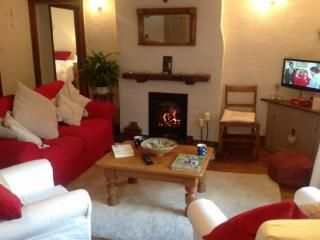 SMITHY COTTAGE, Staveley, Nr Windermere - Ings vacation rentals