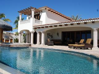 Cabo/Mexico - Stunning Villa w/ Infinity Pool & Jacuzzi & Detached Casita, Steps to Beach! - San Jose Del Cabo vacation rentals