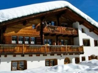LLAG Luxury Vacation Apartment in Arosa - spacious, beautiful, historic (# 4561) - Grisons vacation rentals