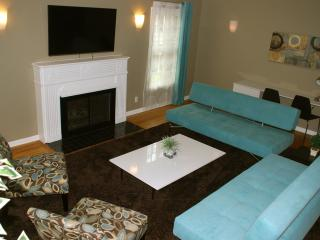 Stunning Family Friendly Home by The Grove! - West Hollywood vacation rentals