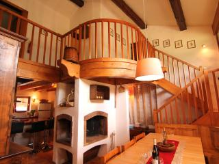 CHARMING COMFORTABLE CHALET IN MERIBEL 200M.FROM CHAIRLIFT,PISTE,CENTER RESORT; - Meribel vacation rentals