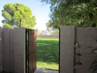 Patio gate with view to Greenbelt Golf Course - Scottsdale Cozy Condo - 3 Bedrooms - Scottsdale - rentals