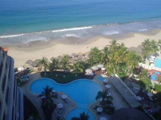 BAY VIEW GRAND RESIDENCIAL IXTAPA 3 BEDS - Ixtapa/Zihuatanejo vacation rentals