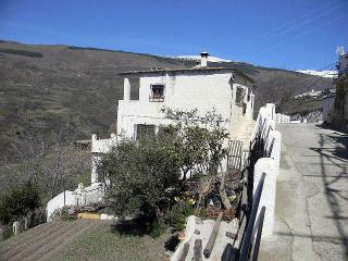 Self-Catering Flat in La Alpujarra for up to Four. - Bubion vacation rentals