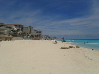 3 Bedroom Villa on the beach with private access to the beach - Cancun vacation rentals