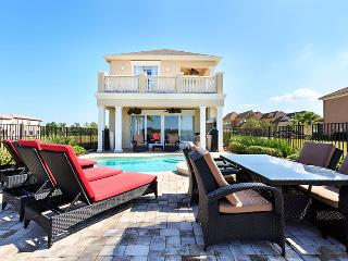 5 bed lavishly decorated home with large pool! - Reunion vacation rentals