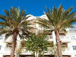 3 bedroom condo with waterpark nearby - Reunion vacation rentals