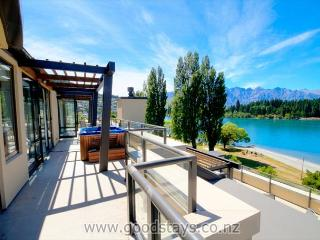 Esplanade Penthouse 502 - Queenstown vacation rentals