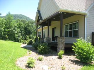 Luxury 3000' Custom Home(4 years old)-Gated Community-360'Mountain Views - Spruce Pine vacation rentals