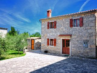 Sailors' house - Istrian tradition & hospitality - Rakalj vacation rentals