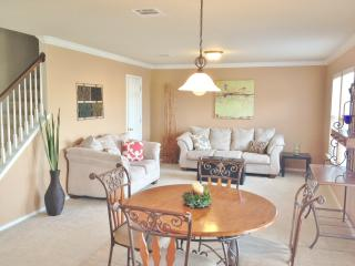 Immaculate 4 Bedroom Budget Friendly Home in SA - San Antonio vacation rentals