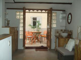 Antibes - Romantic and charming town house - Antibes vacation rentals