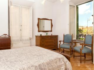 Casa Vaticano Uno, few steps from the history - Vatican City vacation rentals