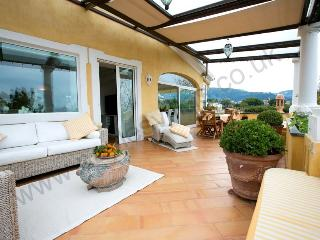 Spacious and elegant apartment near Sorrento town - Campania vacation rentals