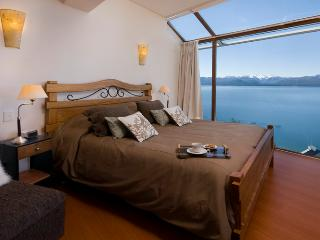 3 BEDROOM PENTHOUSE (TD3 ) JACUZZI, GYM & BBQ! - Patagonia vacation rentals