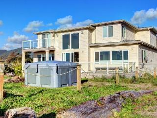 Luxury Beach Villa - sleeps 6 - Rockaway Beach vacation rentals
