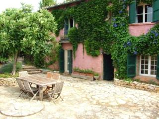 Pretty Farmhouse Apt. Pool,Garden,Terrace & Views! - Var vacation rentals