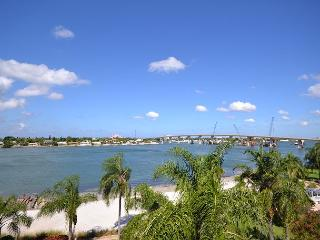 Isla Del Sol - Bahia Vista 13-556 Top floor, corner condo with wide Bay view! - Saint Petersburg vacation rentals