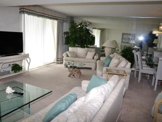 CONDO: SOUTH HAMPTON 506 2BR 3 BA OCEANVIEW - Myrtle Beach vacation rentals