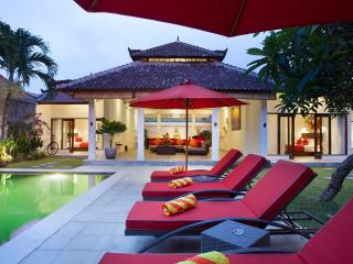 Villa 3X next to beach, shops and restaurants - Legian vacation rentals