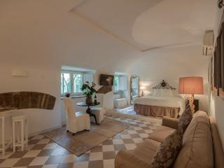 Beatrice - Florence vacation rentals