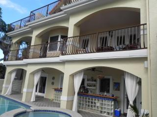 on the water  beauty  lauderdale by the sea - Lauderdale by the Sea vacation rentals