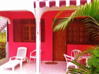 Vacation rental house 2-4 pers Deshaies beach 700m - Limousin vacation rentals