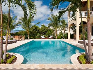 Villa Mirabelle at Chalk Sound, Turks and Caicos - Oceanfront, Pool, Cooling Tropical Breezes - Chalk Sound vacation rentals