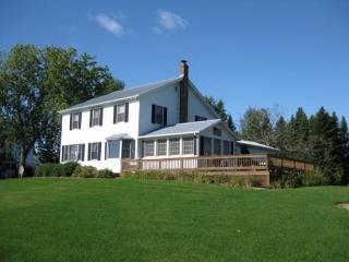Island View Farm features magnificent lake views to the east, crystal clear water, and a real country feel. - North Hero vacation rentals